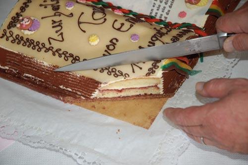Buttercreme torte zur taufe der kochblog for Torte zur taufe selber machen