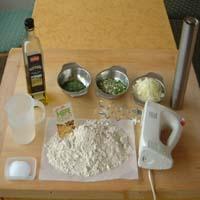 Zutaten für ein selbst gebackenes knuspriges Baguette